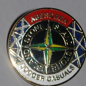 aberdeen casuals red top badge