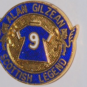 alan gilzean legends badge