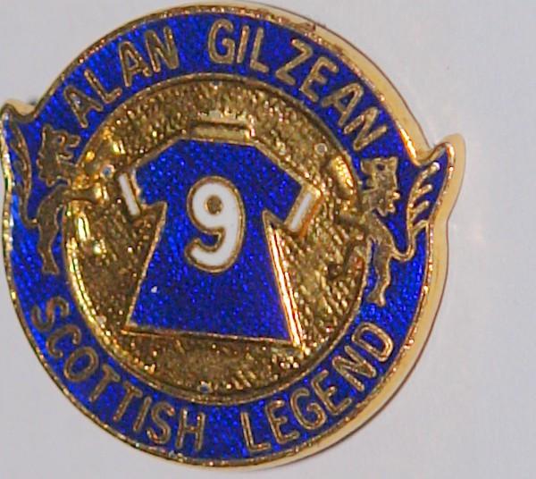alan gilzean legends badge