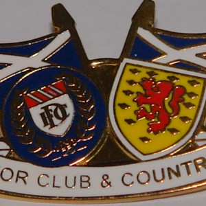 dundee club and country badge