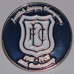 dundee dark blue league championship badge 61-62