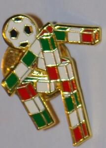 italy 1990 badge