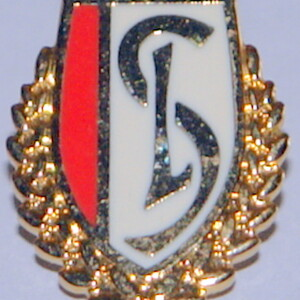 standard leige badge